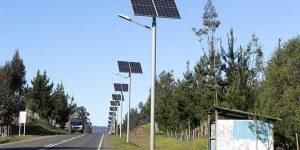 Beneficios de usar postes solares en el alumbrado público