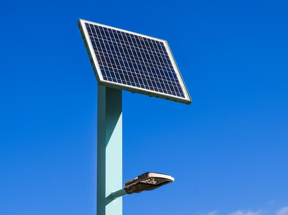 6 consejos para instalar iluminaci n solar en su jard n for Iluminacion solar para jardin