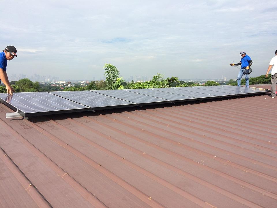 Instalación de paneles solares para negocio