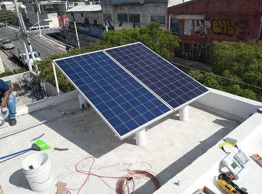 sistema fotovoltaico residencial 2 paneles